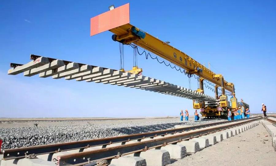鐵路鋪軌機械行業